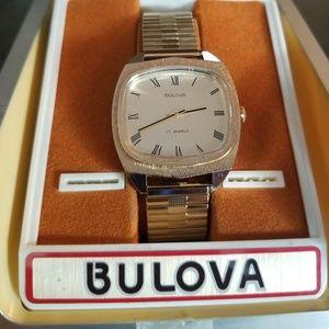 1976 Mens Bulova- working- like new!!